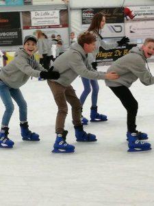 Teambuilding op de schaatsbaan